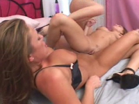 Lusty gorgeous lezzies doing clit and cunt fetish